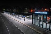 Zintegrowane Centrum Przesiadkowe nocą - fot. Powiat Pszczyński