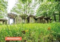 Interaktywna wycieczka po dolmenach La Roche-aux-Fées we Francji